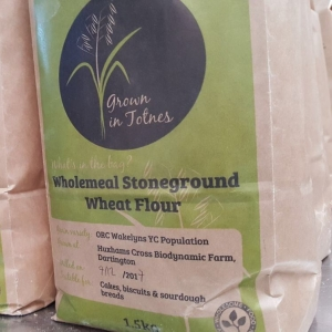 Wholewheat flour from genetically diverse sustainable wheat, grown in Huxham's Cross.